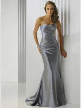 Длинное платье серебристое