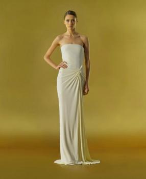 Вечернее платье цвета слоновой кости